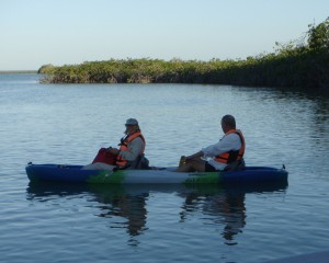 http://adventuremexico.travel/wp-content/uploads/2013/11/Sian-Ka-an-Tours-mayak-kayak-thumbnail-wpcf_300x240.jpg